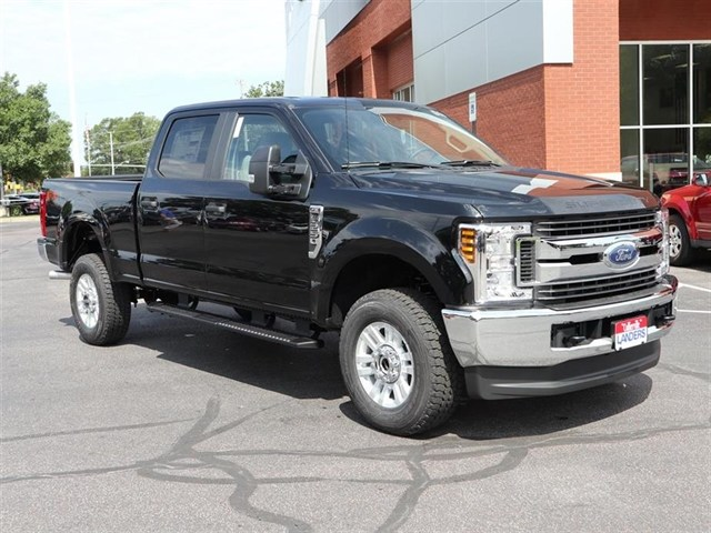 2018 F-250 Crew Cab 4x4,  Pickup #18T1290 - photo 3