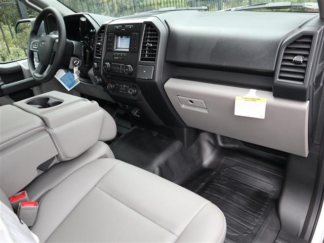 2018 F-150 Regular Cab 4x2,  Pickup #18T1581 - photo 4