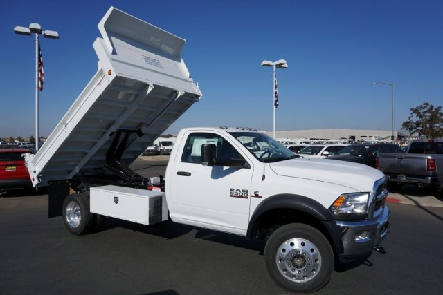 2018 Ram 5500 Regular Cab DRW 4x2,  Scelzi Dump Body #54969D - photo 17