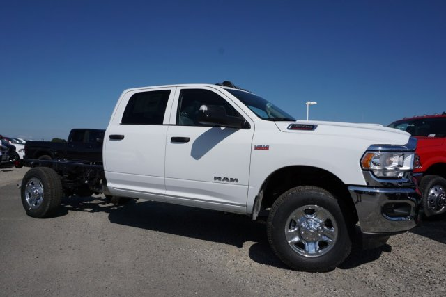 2019 Ram 3500 Crew Cab 4x2, Cab Chassis #56792D - photo 3
