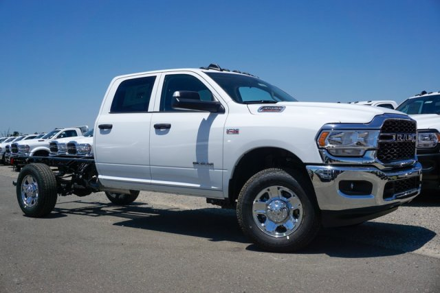 2019 Ram 3500 Crew Cab 4x4,  Cab Chassis #56886D - photo 3