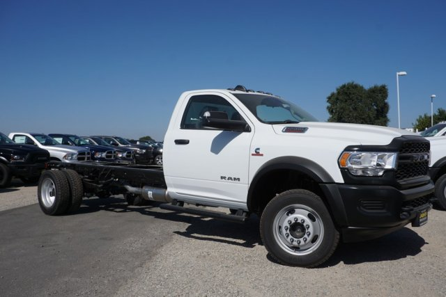 2019 Ram 5500 Regular Cab DRW 4x4, Cab Chassis #57562D - photo 3