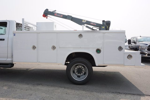 2020 Ram 5500 Regular Cab DRW 4x4, Royal Utility Crane Body Mechanics Body #61251D - photo 14