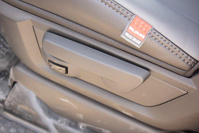 2021 Ram 5500 Crew Cab DRW 4x4,  Cab Chassis #65336D - photo 12