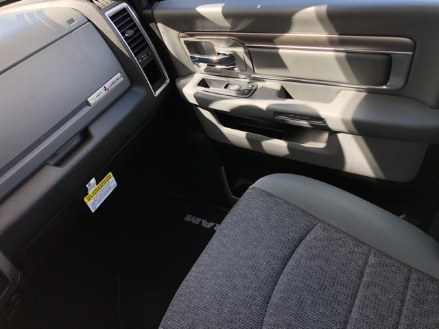 2018 Ram 1500 Crew Cab 4x4,  Pickup #R18972 - photo 13