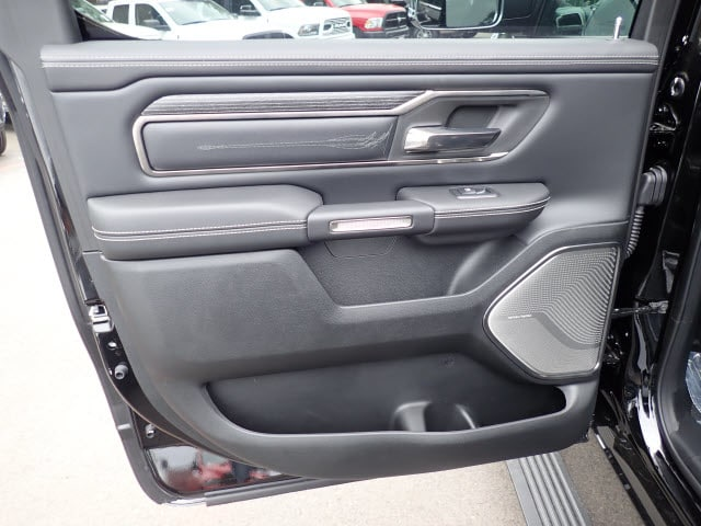 2019 Ram 1500 Crew Cab 4x4,  Pickup #D72780 - photo 10