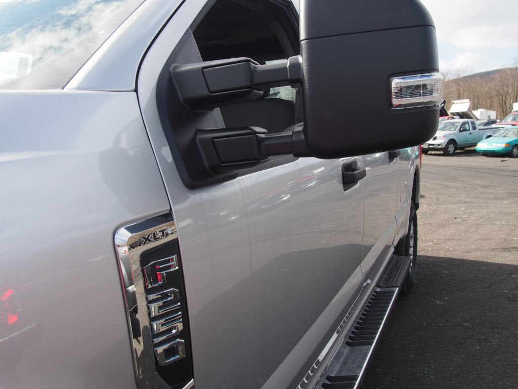 2019 F-250 Crew Cab 4x4, Pickup #10000T - photo 5