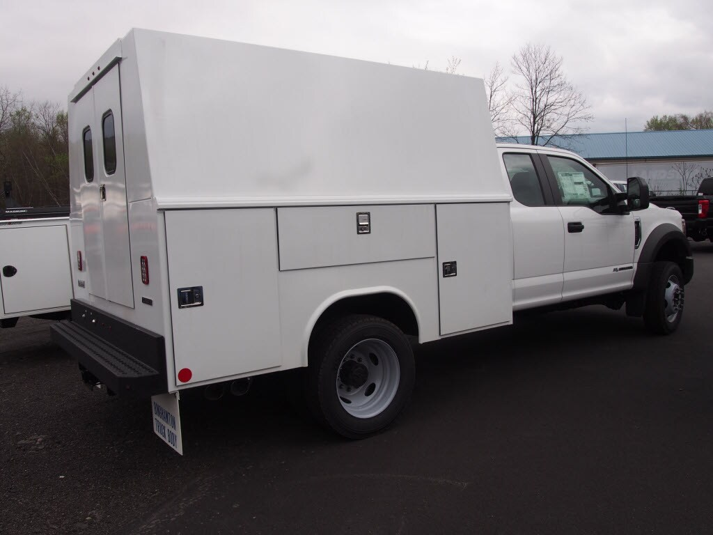 2019 F-550 Super Cab DRW 4x4,  Reading Panel Service Body #10096T - photo 2