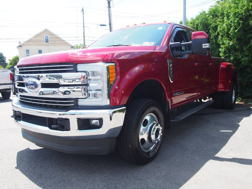 2017 F-350 Crew Cab DRW 4x4, Pickup #10109A - photo 4