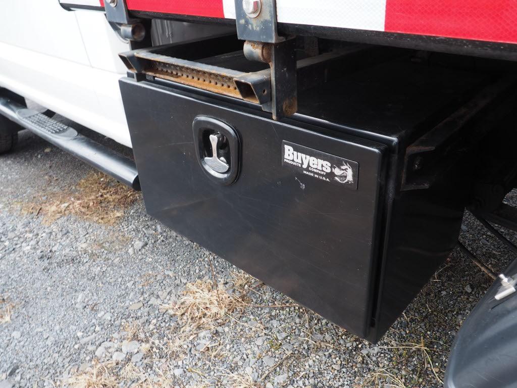 2017 F-550 Regular Cab DRW 4x4, Dump Body #10263B - photo 10
