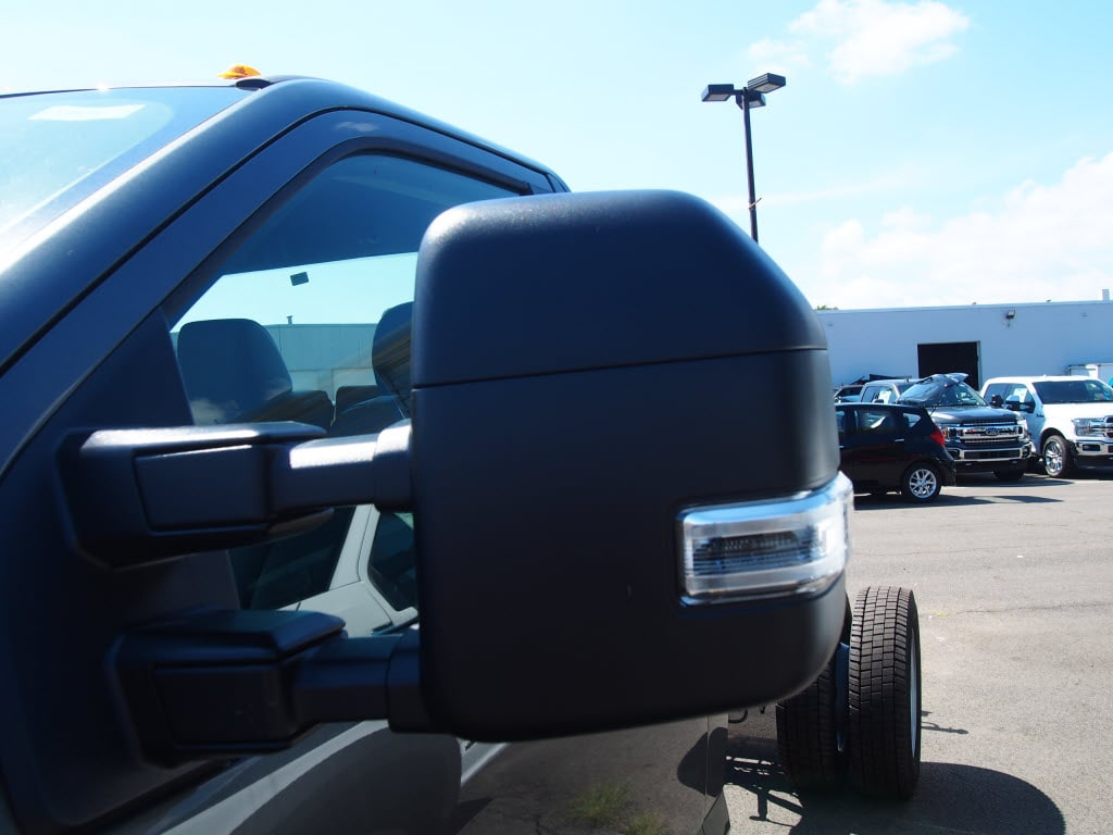 2019 F-550 Regular Cab DRW 4x4,  Cab Chassis #10301T - photo 5