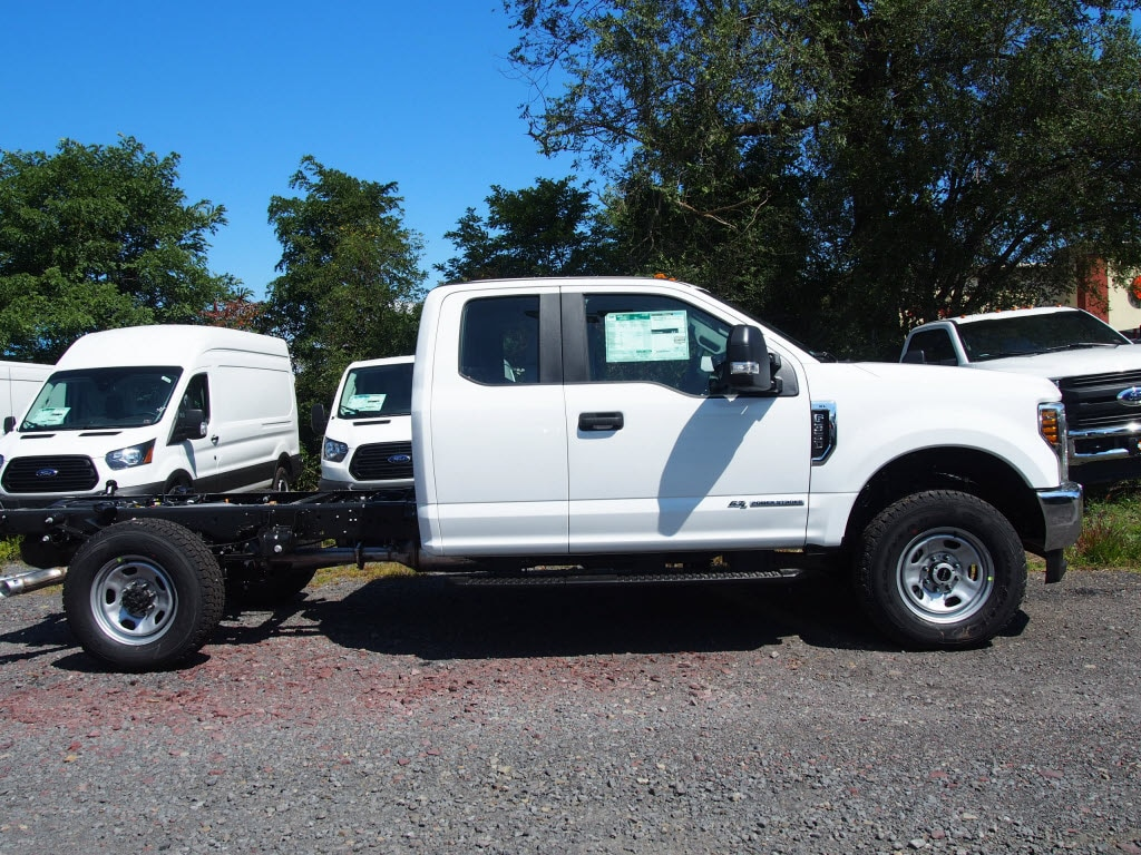 2019 F-350 Super Cab 4x4, Cab Chassis #10320T - photo 3