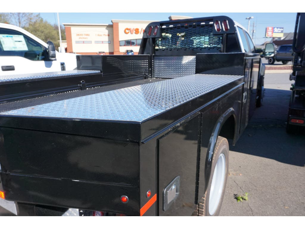 2019 F-550 Crew Cab DRW 4x4, Knapheide Platform Body #10401T - photo 1