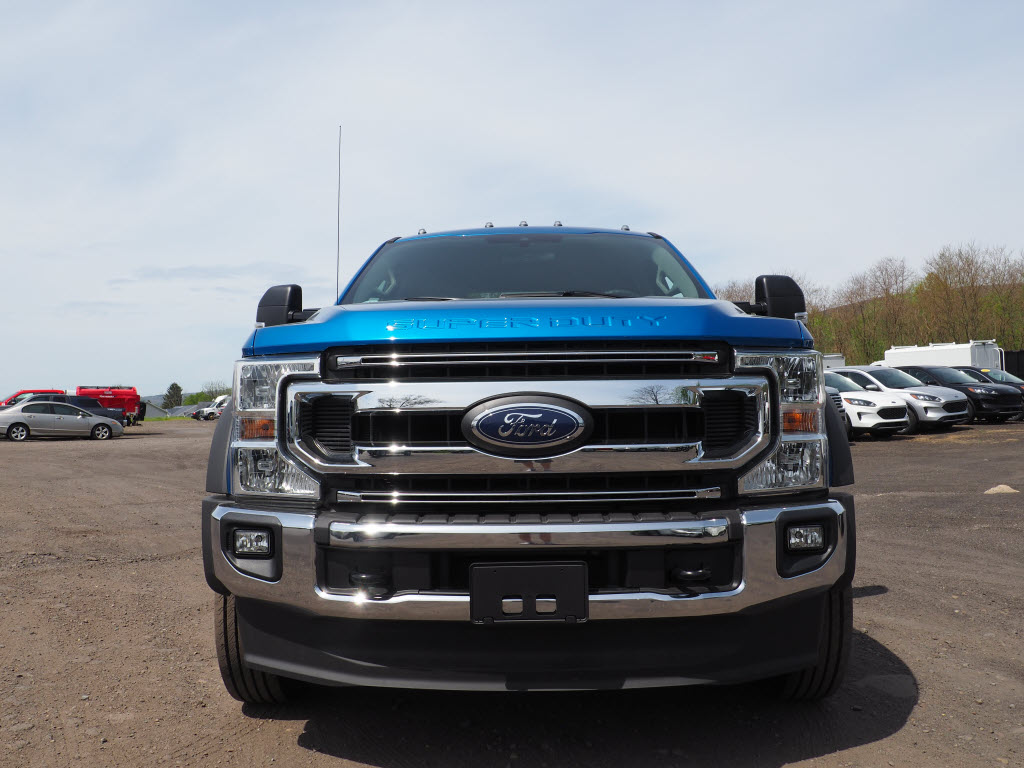 2020 Ford F-550 Crew Cab DRW 4x4, Cab Chassis #10543T - photo 8