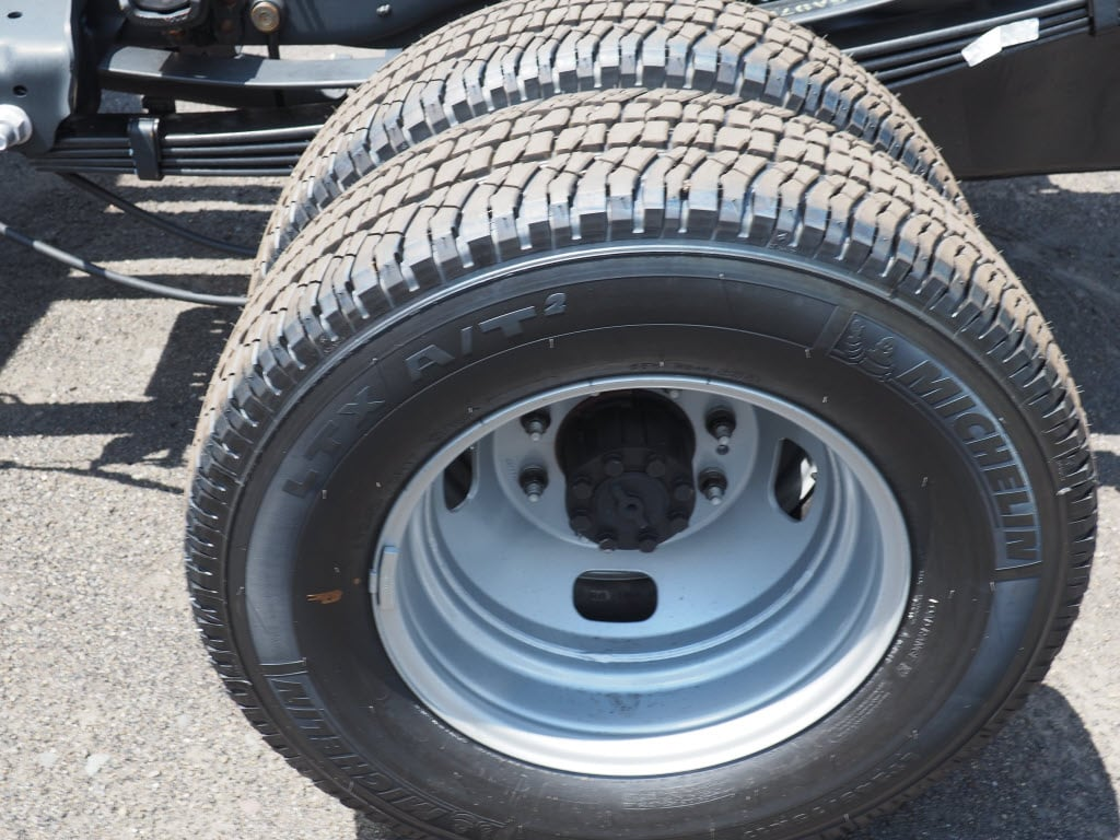 2020 Ford F-350 Regular Cab DRW 4x4, Cab Chassis #10729T - photo 4