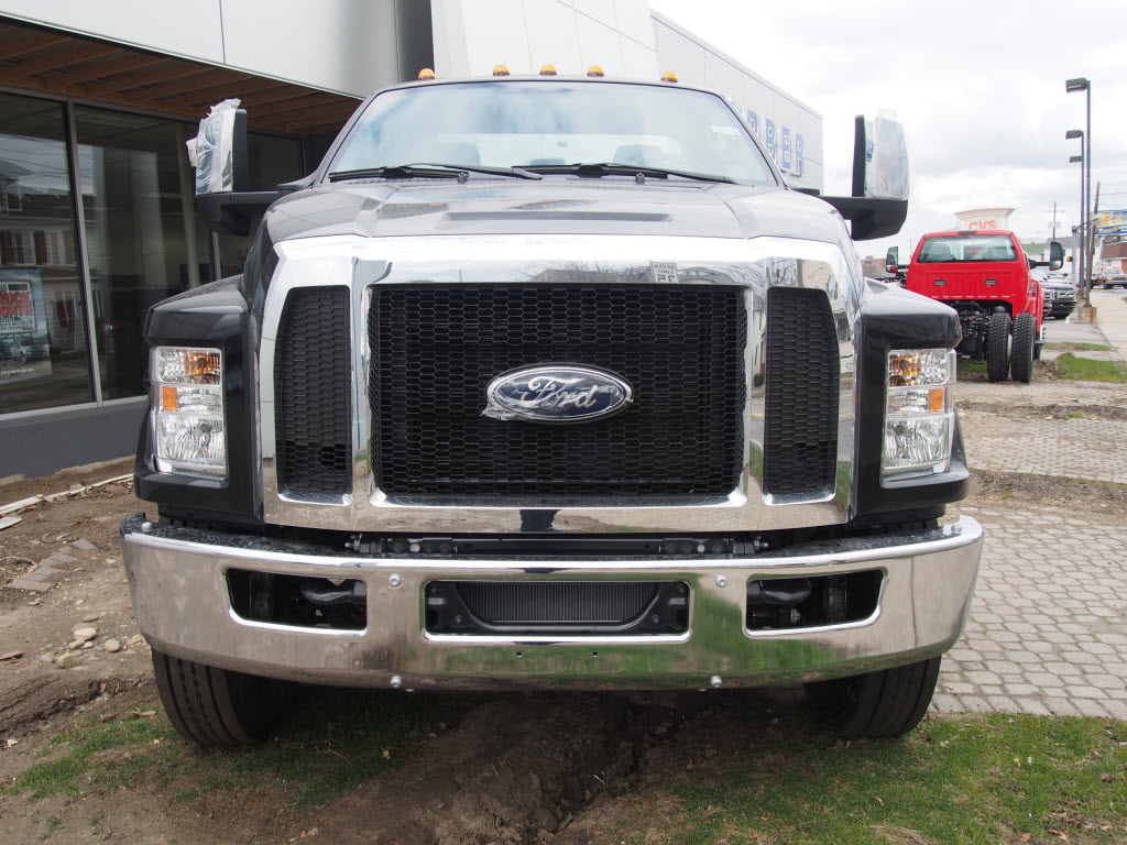 2018 F-650 Regular Cab DRW 4x2,  Cab Chassis #9516T - photo 3