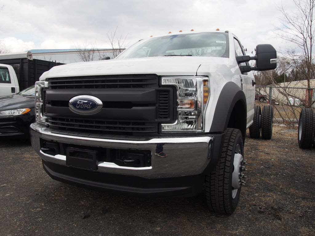 2018 F-550 Regular Cab DRW 4x4,  Cab Chassis #9533T - photo 5