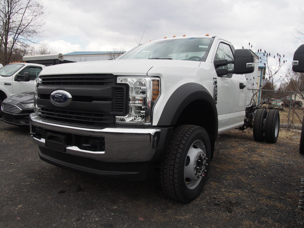 2018 F-550 Regular Cab DRW 4x4,  Cab Chassis #9533T - photo 6