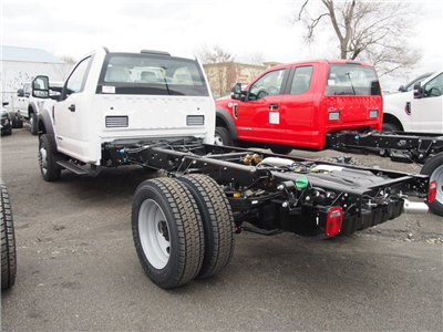 2018 F-550 Regular Cab DRW 4x4,  Cab Chassis #9539T - photo 2