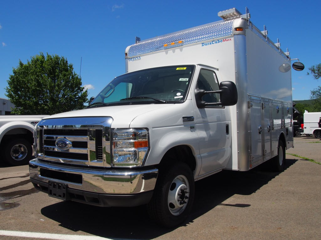 2018 Ford E-350 4x2, Cab Chassis #P5188B - photo 1