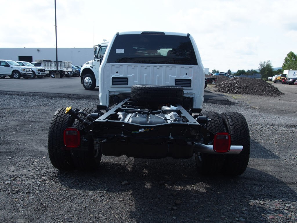 2019 F-350 Super Cab DRW 4x4,  Cab Chassis #9753T - photo 7