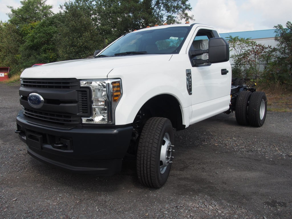 2019 F-350 Regular Cab DRW 4x4,  Cab Chassis #9759T - photo 4
