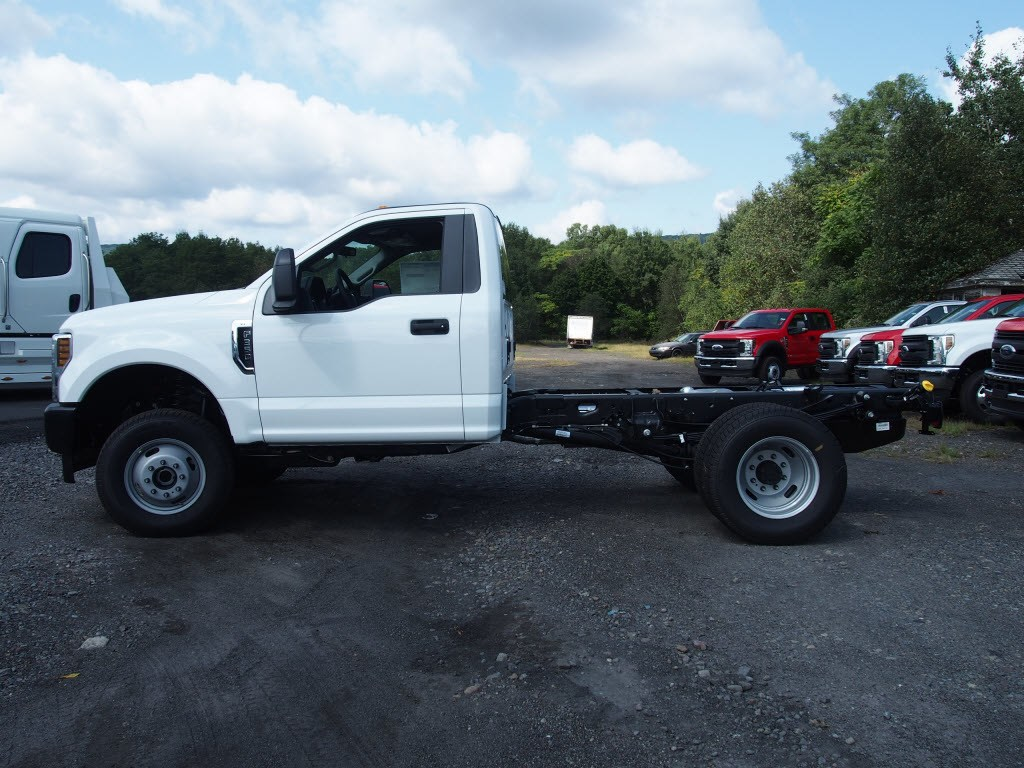 2019 F-350 Regular Cab DRW 4x4,  Cab Chassis #9759T - photo 5