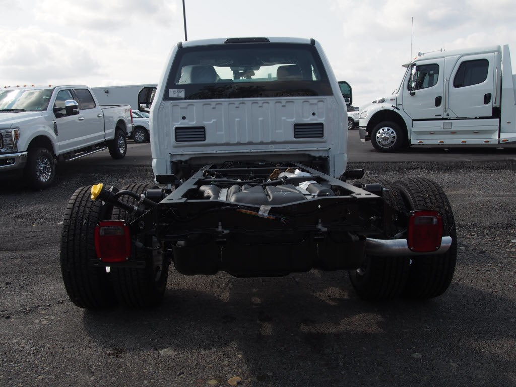 2019 F-350 Regular Cab DRW 4x4,  Cab Chassis #9759T - photo 7