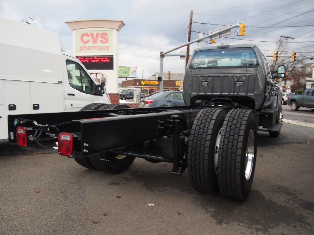 2019 F-750 Super Cab DRW 4x2,  Cab Chassis #9781T - photo 2