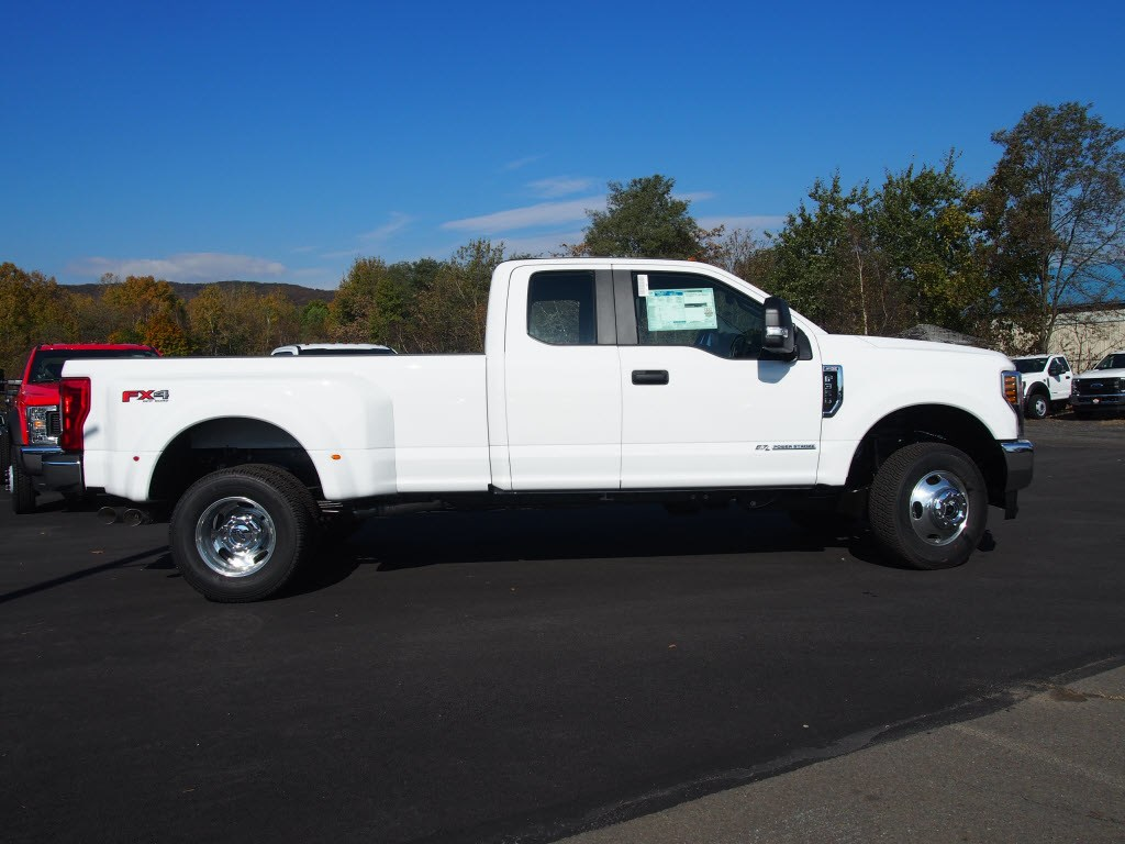 2019 F-350 Super Cab DRW 4x4,  Pickup #9805T - photo 3