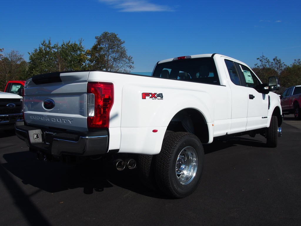 2019 F-350 Super Cab DRW 4x4,  Pickup #9805T - photo 2