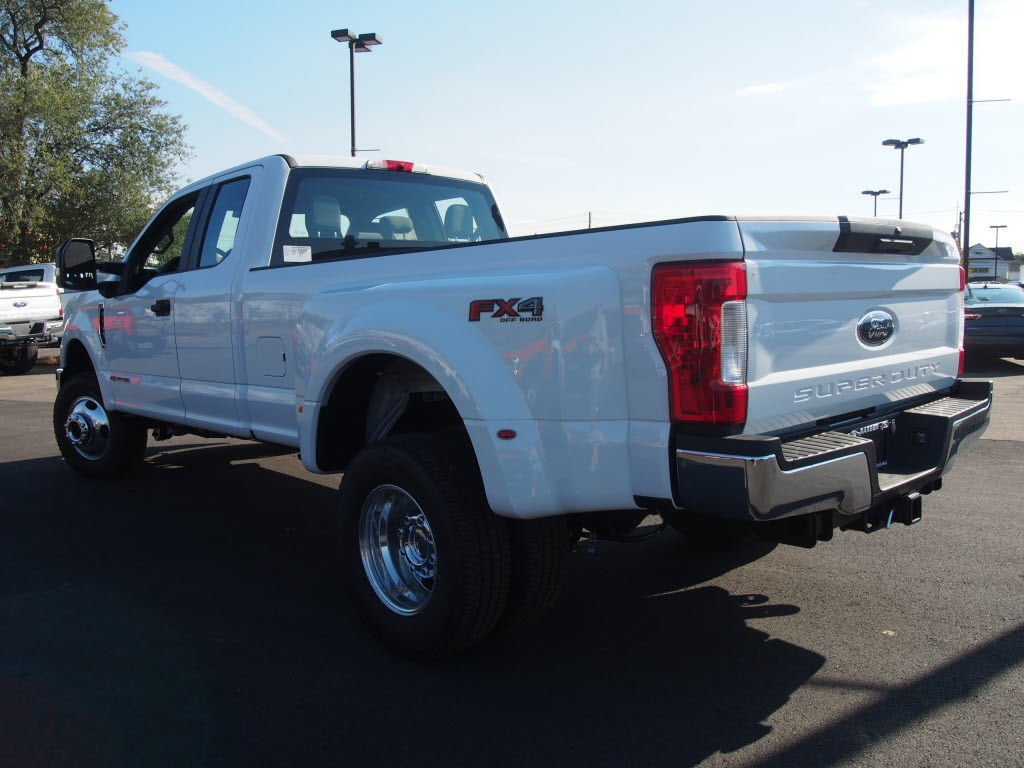 2019 F-350 Super Cab DRW 4x4,  Pickup #9805T - photo 5