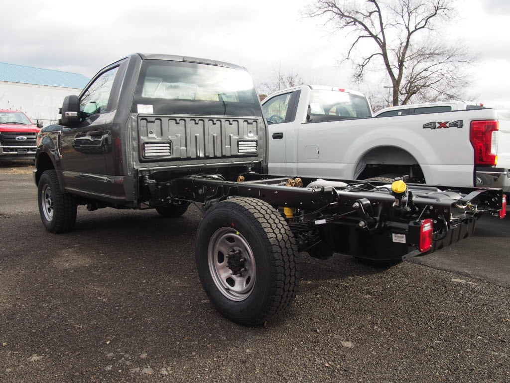 2019 F-350 Regular Cab 4x4,  Cab Chassis #9854T - photo 2