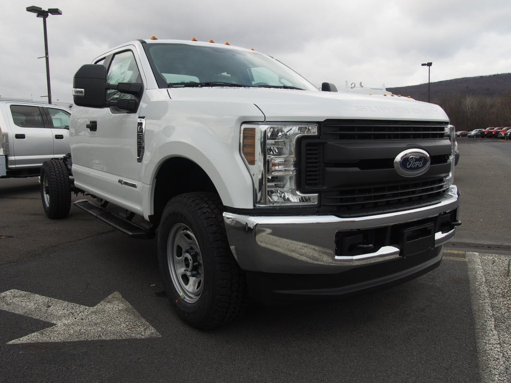 2019 F-350 Super Cab 4x4,  Cab Chassis #9944T - photo 3