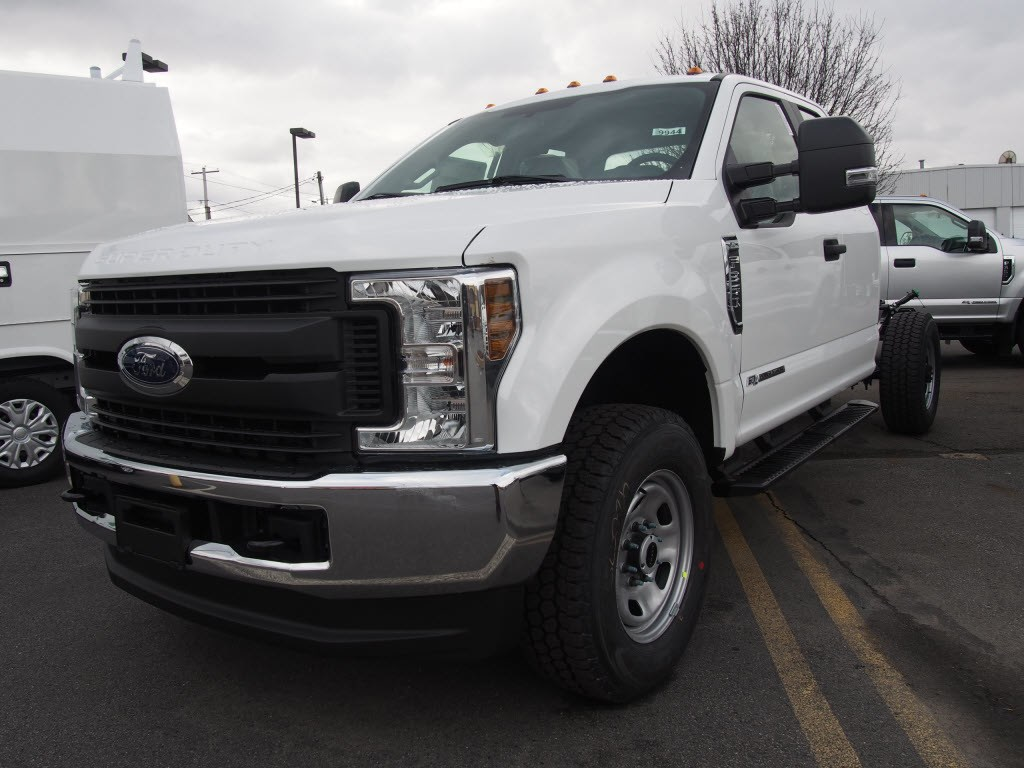 2019 F-350 Super Cab 4x4,  Cab Chassis #9944T - photo 5