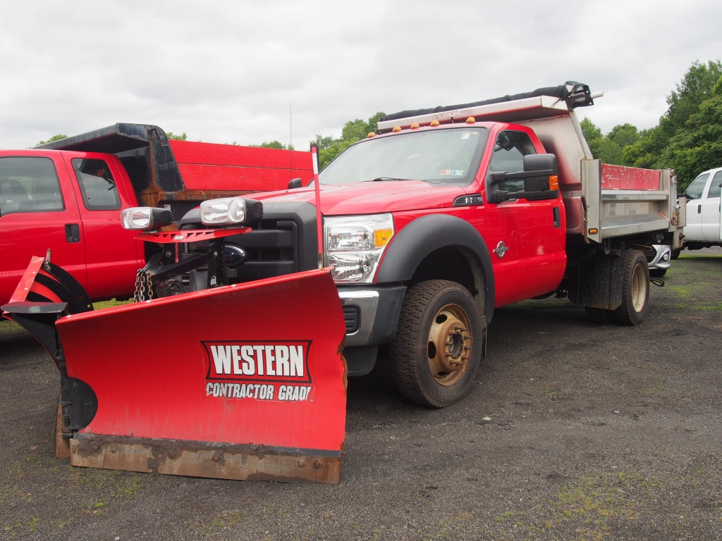2015 F-550 Regular Cab DRW 4x4,  Dump Body #9994M - photo 1