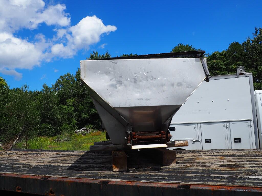 2005 Sterling Truck 4x2, Platform Body #P4807B - photo 5