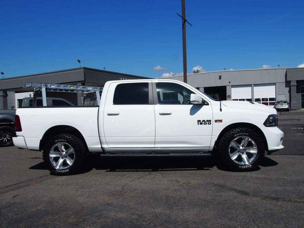 2016 Ram 1500 Crew Cab 4x4,  Pickup #P4861B - photo 3