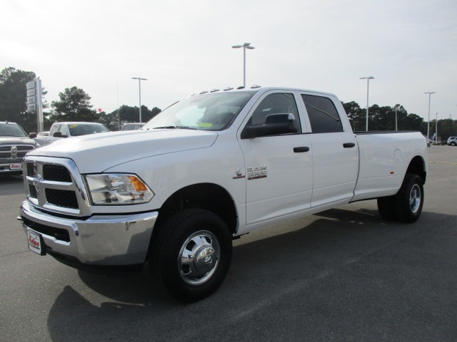 2018 Ram 3500 Crew Cab DRW 4x4, Pickup #14901 - photo 3