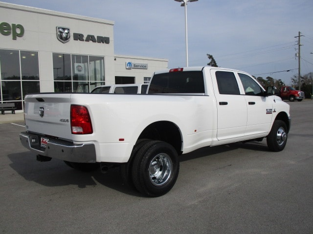2018 Ram 3500 Crew Cab DRW 4x4, Pickup #14901 - photo 2