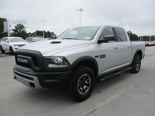 2018 Ram 1500 Crew Cab 4x4,  Pickup #15152 - photo 3