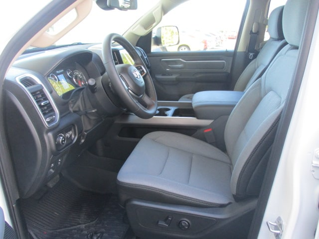2019 Ram 1500 Crew Cab 4x2,  Pickup #15398 - photo 14