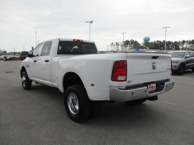 2018 Ram 3500 Crew Cab DRW 4x4,  Pickup #15518 - photo 4