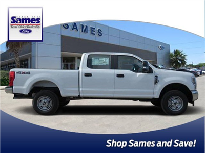 2018 F-250 Crew Cab 4x4,  Pickup #F53546 - photo 1