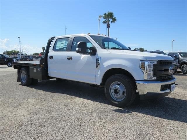 2018 F-350 Crew Cab DRW 4x2,  Freedom Platform Body #F53843 - photo 3