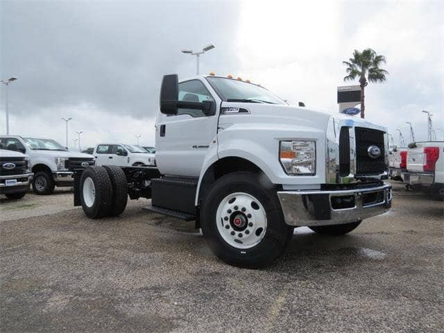 2019 F-750 Regular Cab DRW 4x2,  Cab Chassis #F53887 - photo 3