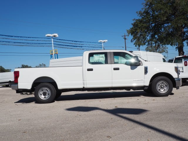 2018 F-350 Crew Cab 4x2,  Pickup #JEB08034 - photo 4
