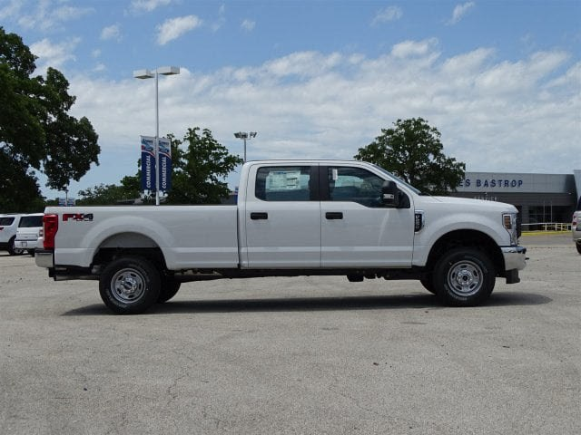 2018 F-250 Crew Cab 4x4,  Pickup #JEB68751 - photo 3