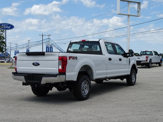 2018 F-250 Crew Cab 4x4,  Pickup #JEB68751 - photo 2