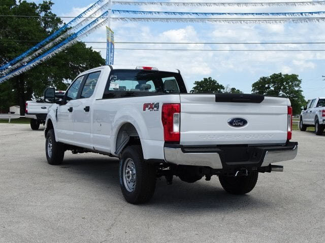 2018 F-250 Crew Cab 4x4,  Pickup #JEB68751 - photo 4